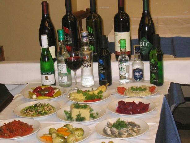 Nevizade Sokak : Στο κέντρο της Πόλης για καλό φαγητό και διασκέδαση !!!!