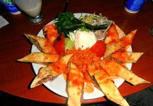 """Εστιατόριο """"Gani Gani """" :  Φαγητό  στο σοφρά !!!"""