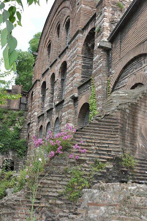 Kalenderhane Camii (Akaleptos Manastırı)..Buit in 10th-11st century.